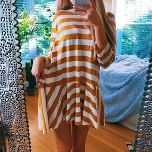 Dresses & Skirts - Yellow Sun Daze Mini Dress